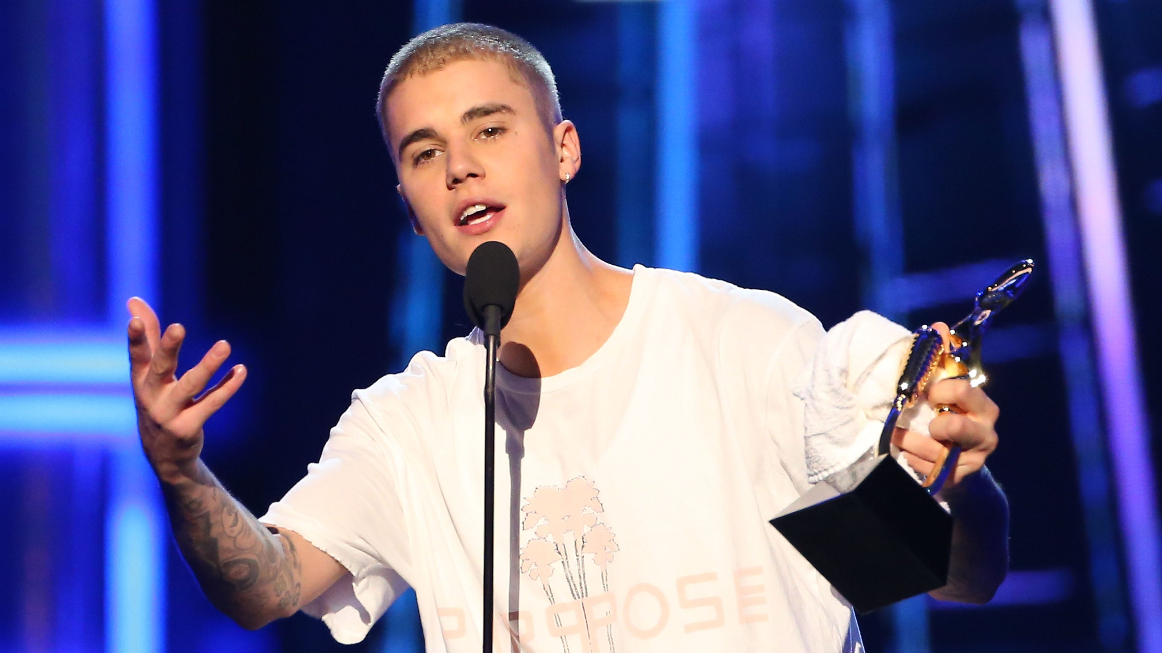 Justin bieber cant sing